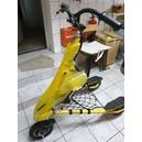 Elektryczny Trikke model Pon-e 36V, w żółtym kolorze.
