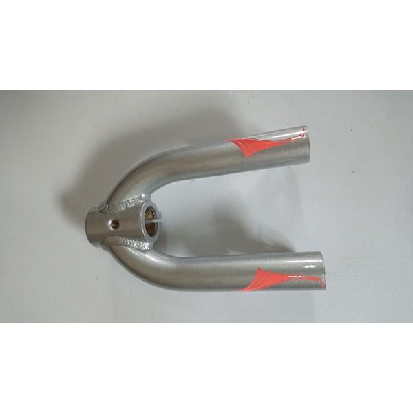 Przedni widelec T8SPORT srebrny